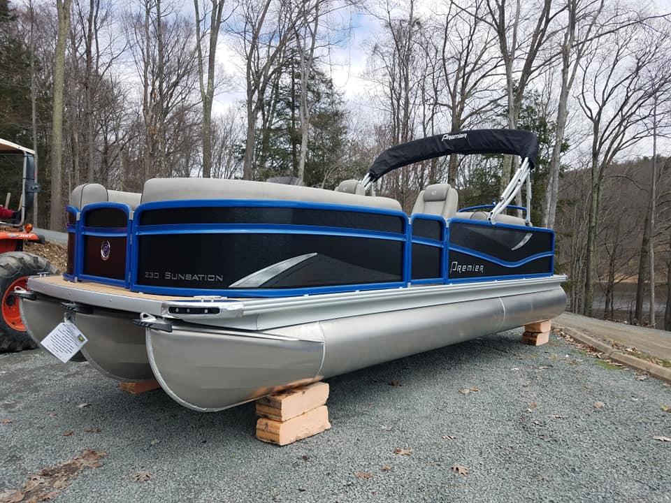 Pontoon Boat for Sale Wallenpaupack | Boats for sale Poconos